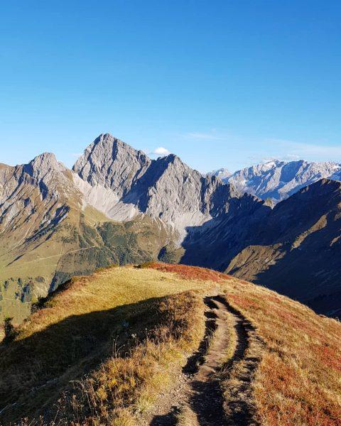Zitterklapfen . . #hiking #outdoors #liveoutdoors #sunshine #bluesky #colorfuel #autumn #mountains #mountainlove #nature ...