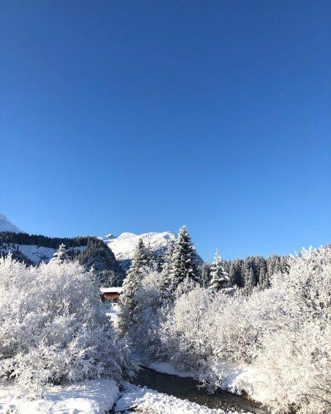 Winterwunderland Lech! #auroralech #lifeisbetterinthemountains #winteriscoming #canwait2ski #winterwonderland #lech #arlberg #skiing #winterinlech Lech, Vorarlberg, ...