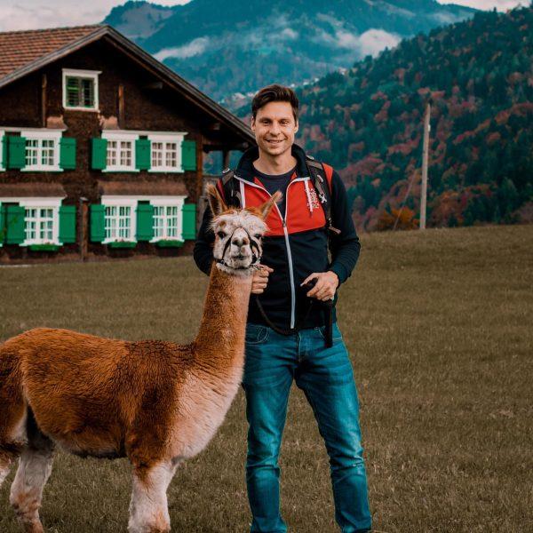 Neuer bester Freund 😍 Darf ich vorstellen das ist Mozart Alpaka ❤️. . ...