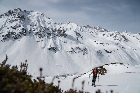 Today a slightly different ski tour. Ski to climb,or climb to ski 🧐. ...