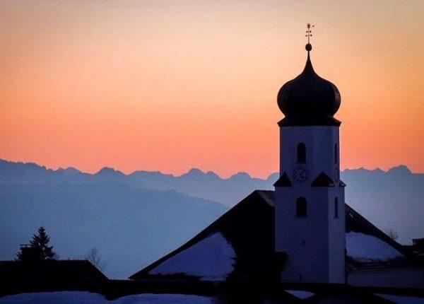 Church of Sulzberg 📸 by @michimazell #visitbregenzerwald #bregenzerwald #vorarlberg #sulzberg #winter #vorderwald #austria ...