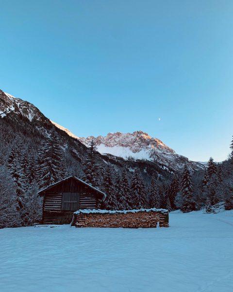 Gemsteltal im Winter #kleinwalsertal #bergchaletbaad #mountains #berge #wandern #whereyourheartbeats #winterwandern #outdoor #outdoorhiking #hiking