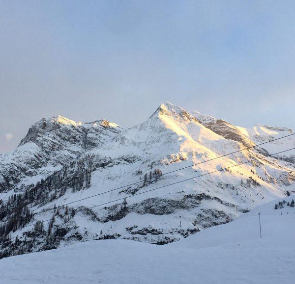 ❄️☀️❄️ski-in / ski-out @pureresortwartharlberg #pureresortwartharlberg #vorarlberg #wintersport #onlinebooking #snow #skiinskiouthotel PURE Resort Warth-Arlberg
