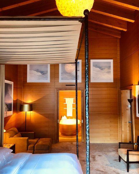 @lechzuers most impressive bedroom @aureliohotel #luxuryboutiquehotel #lechzuers #aureliohotel #skihotel #chalet #architecture #interior #decor ...