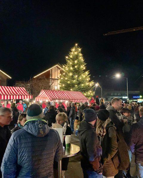 """""""Einkaufsglück"""" und Christbaum-Illuminierung🎄heute NM bei uns in #hittisau 👉👉 Danke allen, die in ..."""