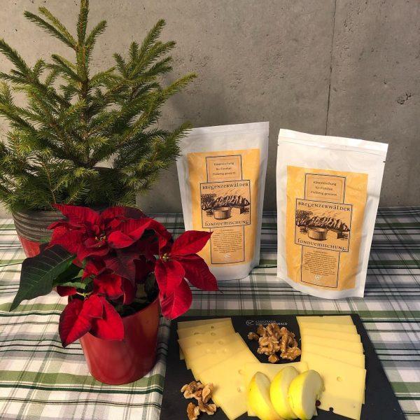 Wie wäre es zu Weihnachten mit einem Bregenzerwälder Käsefondue oder einer Raclette-Partie? 💛 ...