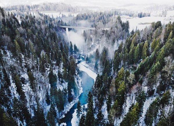 Snowy river views 📸 by @isibisisi #visitbregenzerwald #bregenzerwald #vorarlberg #krumbach #bolgenach #winter #vorderwald ...