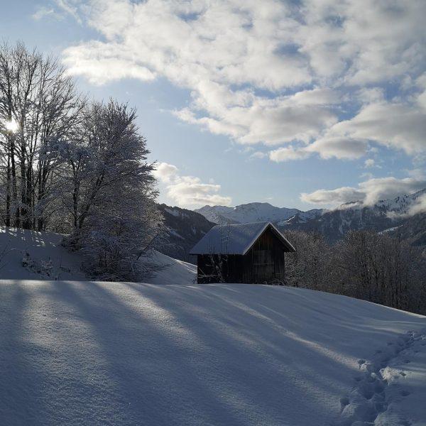 Frisch verschneite Winterlandschaft. Wir freuen uns auf den Saisonstart am 20.12.2019 utdoor #urlaub ...