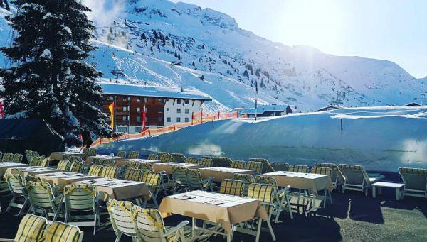 Erster Tag auf der Terrasse Hotel Zürserhof - More than holidays