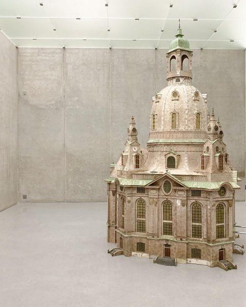 | \ / / | \ | #kub #raphaelavogel #kunsthausbregenz #bregenz #kunsthaus #art ...
