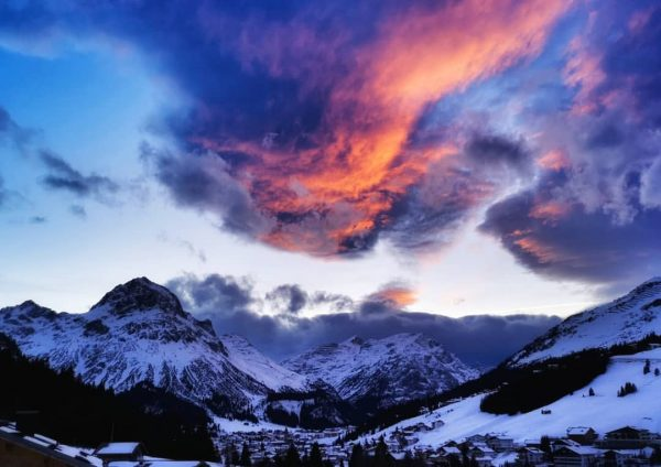 #omeshorn #mydailyview #mylechzuers #meinvorarlberg #mountainlove #moon_skyclouds #moon_mountains #visitaustria #visitvorarlberg #eye_for_earth #soulful_moments #simplyaustria #allbeauty_addiction ...
