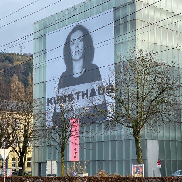 Zusammentreffen und Wiedersehen in #Bregenz #künstlerinnen 1) #annemariejehle (1937-2000) #kunsthausbregenz #zumthor 2) #annemariejehle ...