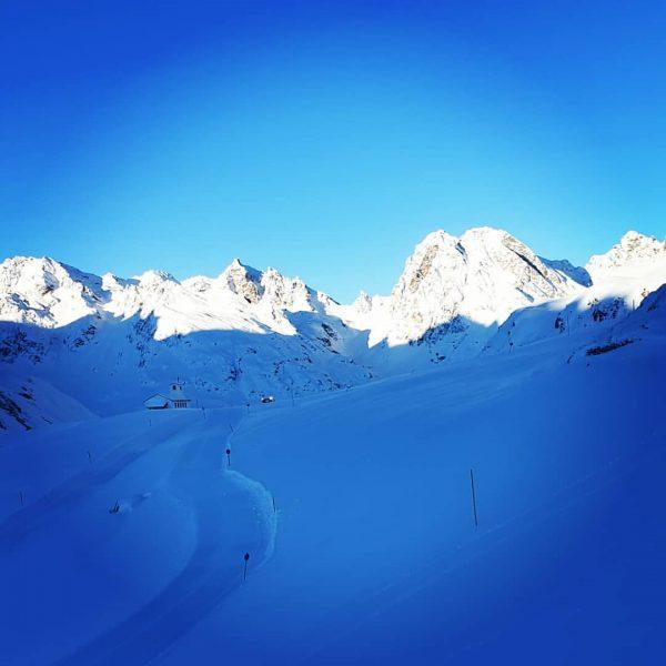 Guten Morhen. #Traumtag in der #silvretta. #berggasthof #pizbuin #silvretta #silvrettasee #bielerhöhe #skitouring #galtür ...