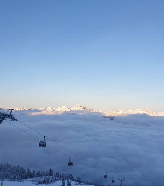 The perfect end scene of a sunny ski day in December. Above the ...