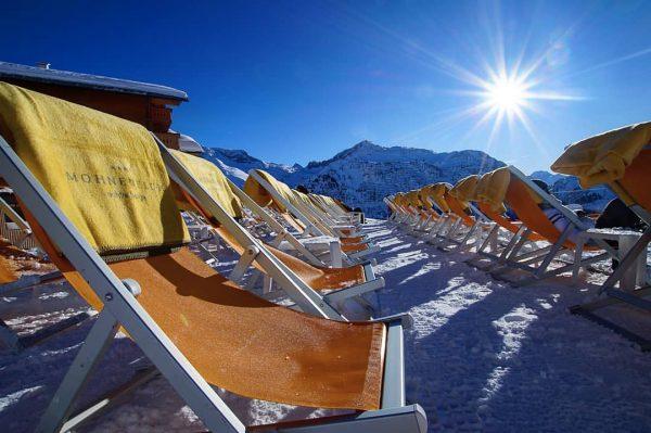 Da ist sie wieder, die Sonne ☀ #mohnenfluh #hotel #echtsein #echteberge #hotel #winter ...