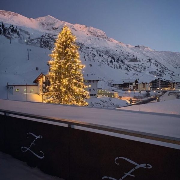 ✨ It's Beginning to Look a Lot Like Christmas ... 😉🎄✨ #grandresortzürserhof #grandresort ...