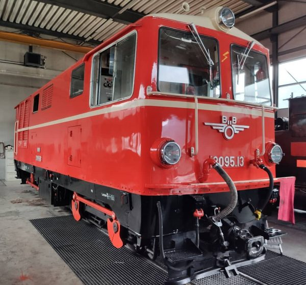 #bregenzerwaldbahn #wälderbähnle #bregenzerwald #museumsbahn #schmalspurbahn #br2095 #2095 #öbb #760mm #bezau #shotbymi #visitbregenzerwald #vorarlberg ...