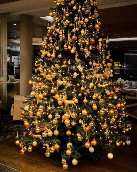 Wir wünschen allen Gästen und Freunden von Herzen ein schönes, besinnliches Weihnachtsfest aus ...