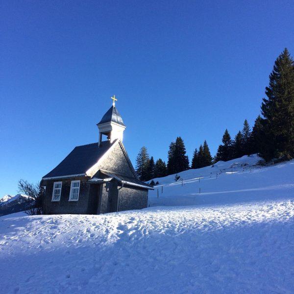 Wunderschöner Tag heute - Winterwanderung mit einer lieben Freundin #hochhäderich #hörmoos #hochwies #aufgewisserhöheistdochwinter ...