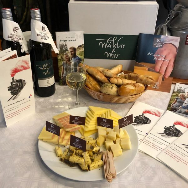 Die KäseStrasse Bregenzerwald war heute beim Wälderbähnle in Bezau zu Gast. Gemeinsam veranstalteten ...