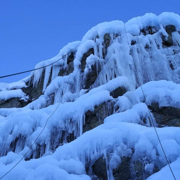#bergrettung #eisklettern #bergrettungsübung #iceclimbing #nofilter #mountainlovers #dreamday #sunyday #pictureoftheday #mountains #silvretta #bielerhöhe Silvretta-Stausee