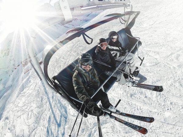 Happy me - Happy friends - fun in the snow ⛷🏔 . #warth ...