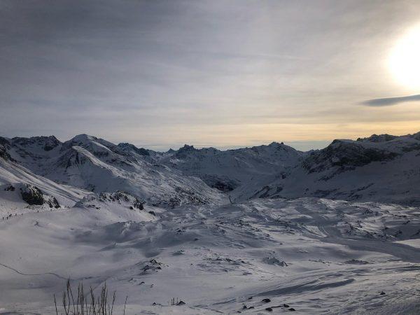 Solch eine traumhafte Aussicht erwartet euch am Rüfikopf! 🏔 #vorarlberg #arlberg #lech #lechzuers ...