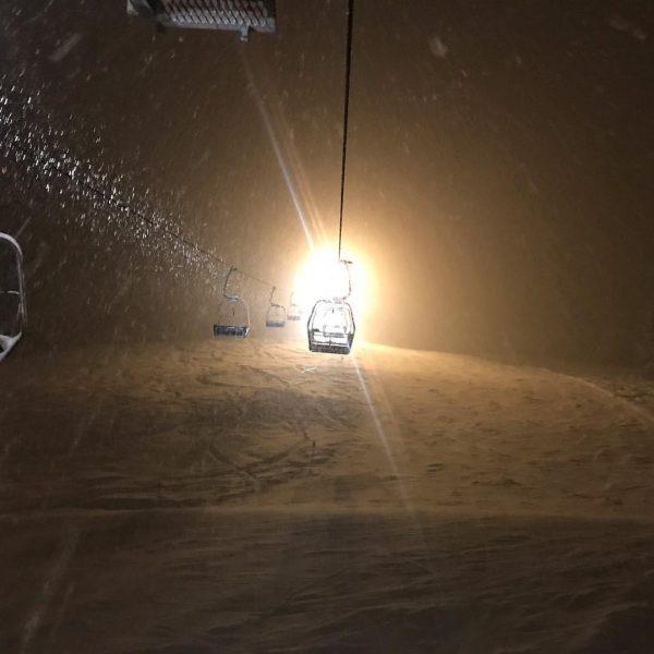 #nightskiing #zaferna #sonnaalp #powdersnow #powderskiing #snowflakes #mittelberg #austria #vorarlberg #skiing #skitothedoor #gaestehausfritz #kleinwalsertal ...