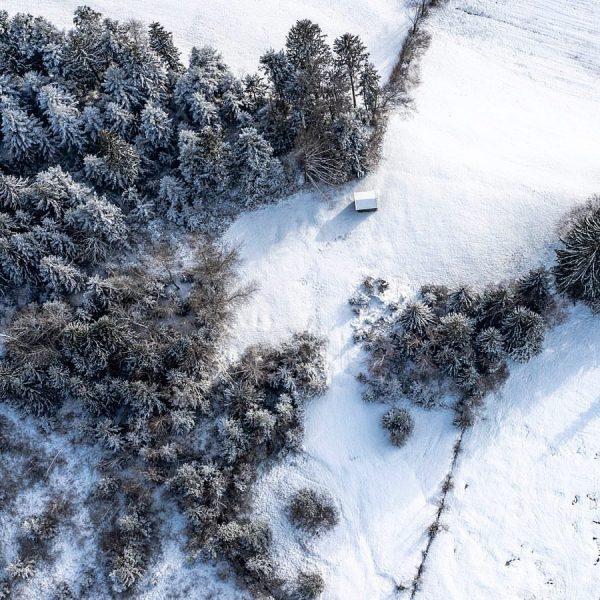 #moor #moorekrumbach #krumbach #skyphotography #dji #djiglobal #winter #snow #surreal #real #winterwonderland #bregenzerwald #dronephotography ...