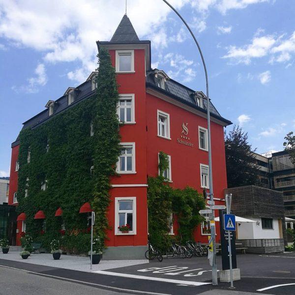 #hotelschwärzler #shönefarbenkontrast #liebe❤️ # Bregenz (Bodensee) Stadt