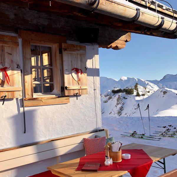 Oberlech/Arlberg, Austria #oberlech #arlbergski #whitechristmas #wintertraum #hüttenromantik #skipause #wintermorgen #kriegeralpe #geniessedenmoment Kriegeralpe