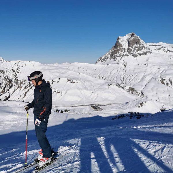 Sonne🌞, Berge🏔️, Schnee❄️ - perfekt ins neue Jahr gestartet in @warthschroecken #skivorarlberg #skifahren🎿 ...
