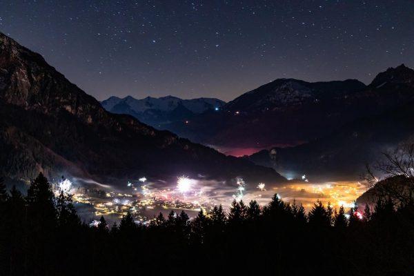 Happy New Year! 🎉🔥💥 #silvester #silvester2020 #newyear #newyear2020 #guatsneus #gutenrutsch #neujahr #frohesneuesjahr #latschau ...