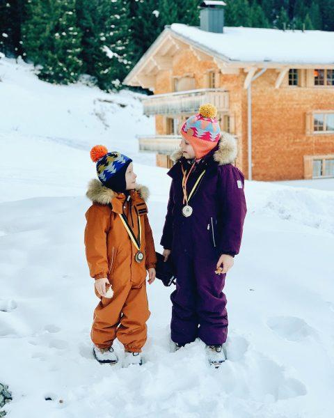 🥇🥉 Die Kinder platzen fast vor Stolz: Lütti hat heut beim Skirennen Gold ...