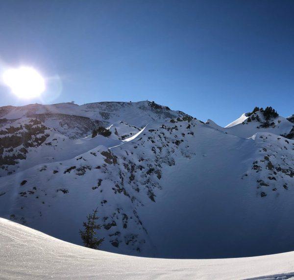 Gipslöcher! #goodmorning #gutenmorgen #skiing #ski #skifahren #sun #sonne #berge #mountains #lech #lechzürs #arlberg ...