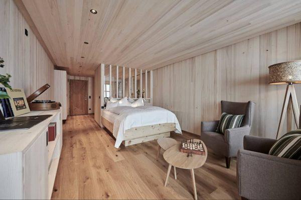 Dürfen wir vorstellen: unsere neue Zimmerkategorie aus vorarlberger Weisstanne 🤗 alles echt... natürlich ...
