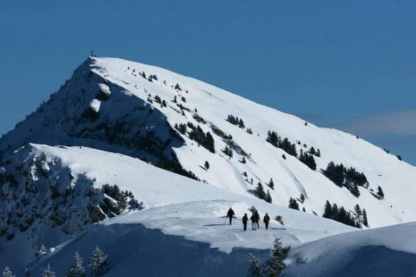 Schneeschuhwandern ~ Durch die glitzernde Schneelandschaft die schönsten Orte abseits der Piste erkunden ...