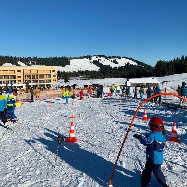 Daily business ⛷☀️ . . . . #skischulehochhaederich #hochhäderich #bregenzerwald #visitbregenzerwald #vorarlberg #austria ...