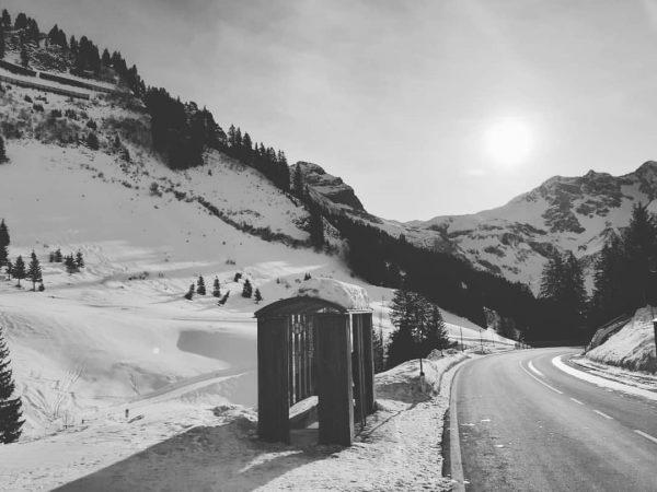 Ski Bus - every 15 minutes #berghofschroecken #schröcken #warthschröcken #busstop #nosnownoshow #liveisbetterinthemountains #skiarlberg ...