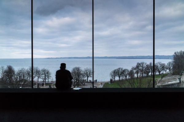 Gute Aussichten, Inspiration und Glück fürs neue Jahr 2020. #vorarlbermuseum #bregenz #aussicht #darkroom ...
