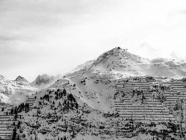 Snow #48 #flashback #lech #oberlech #rüfikopf #langerzug #steepestskiingslope #snow #alps #mountain #wind #haze ...