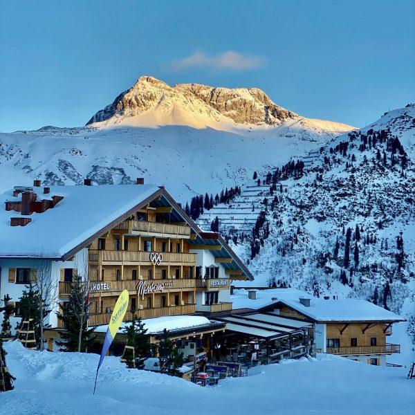 Paradise 💖 . . . #hotelmontanaoberlech #oberlech #lechzuers #skiing #travel #traveltheworld #travelgram #travelphotography ...