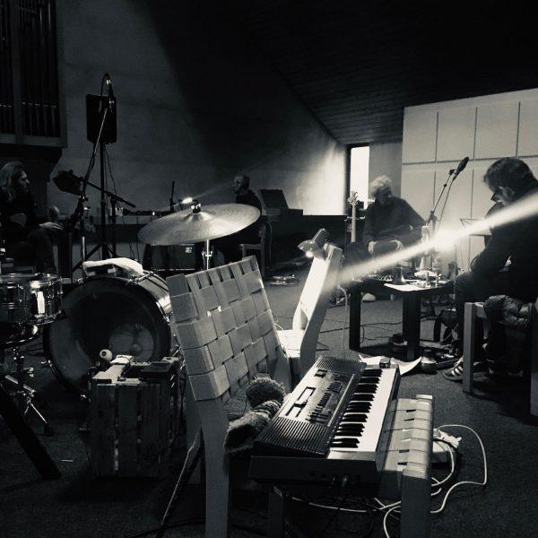 Der Geist, der Klang, das Ambiente der Kapelle führt immer wieder Musiker/innen nach ...