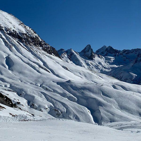 🌞⛷⛄️🏔 #kaiserwetter #lechtaleralpen #lech #zürs #rüfikopf #whiteworld #alpineskiing