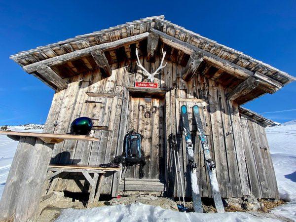 Springskiing in January! 👌👍🤪⛷ ☀️ #schafalpe #rüfikopf #lechzuers #bestofthealps #kästle #montura #oakley #vorarlberg ...