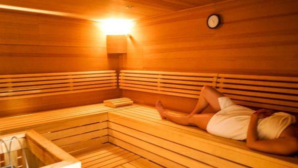 IT'S RELAX O'CLOCK 🕰 nach dem Skifahren 🎿 ist vor der Sauna 🧖♂️ #AlpenhotelValluga #relax #entspannen #spa...