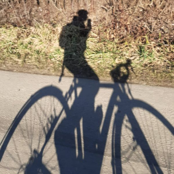 Hallo. . . . #shadowhunters #shadow #nevernotriding #cyclingday #cyclingshots #roadbike #rennrad #lakeconstance #lakeofconstance ...
