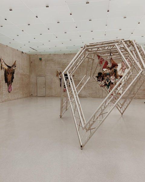 phobias, fears & nightmares #raphaelavogel #bellendbinichaufgewacht #kunsthausbregenz #bregenz #kunsthaus #kub #contemporaryart #contemporaryexhibition #exhibition ...