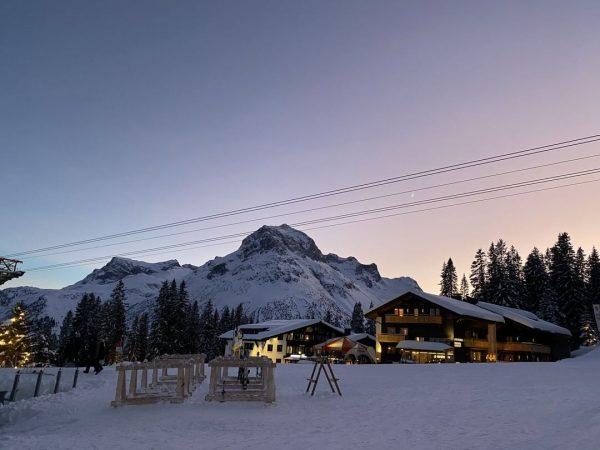 A great start into 2020 🌟 . . #lechzuers #lech #arlberg #visitaustria #omeshorn ...