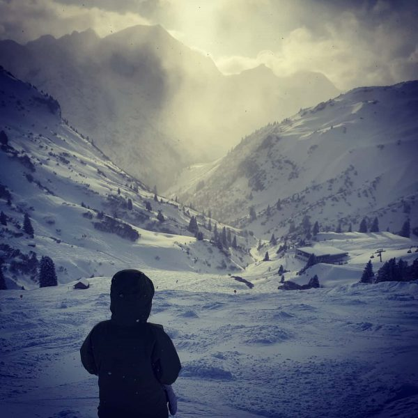 Sun after snowing #ski #skifun #lifeisgoodinthemountains #lastliftride #snowisback #arlberg Lech, Vorarlberg, Austria